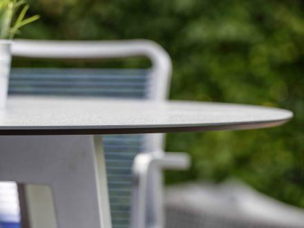 Vorschau: Detailbild Tischplatte mit abgeschrägter Kante
