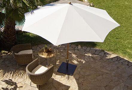 Glatz TEAKWOOD Sonnenschirm Ambientebild runde Ausführung
