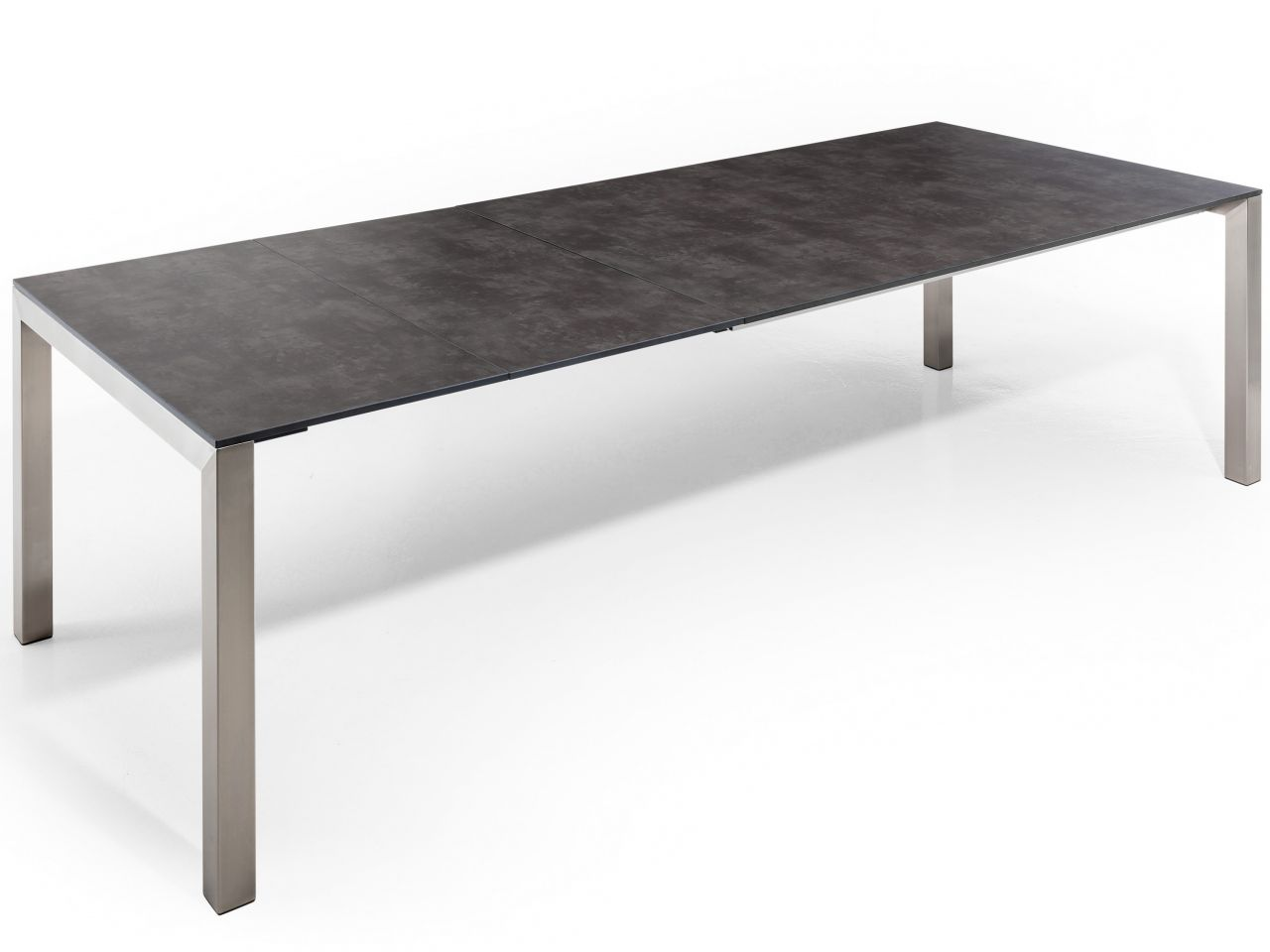 Tisch zweimal ausgezogen 260x100cm