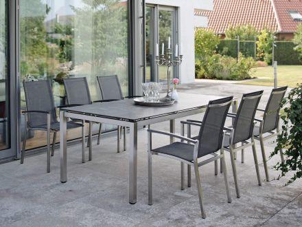 Vorschau: Stapelsessel Evoee Sitzgruppenbeispiel mit Tisch Silverstar 2.0