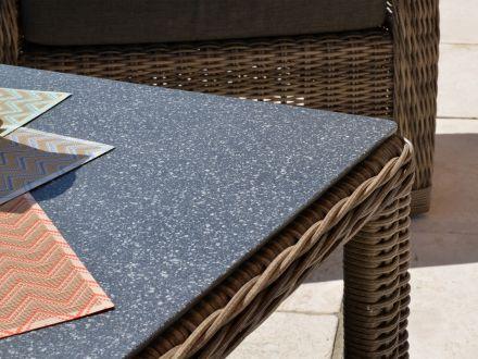 Vorschau: Tischplatte aus Glas mit Spraystone-Beschichtung