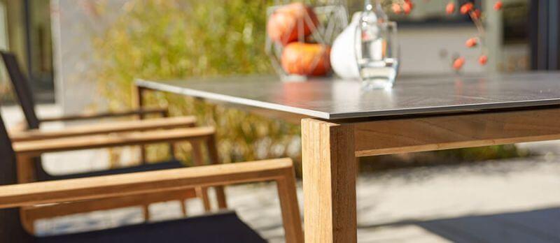 Gartentische mit Keramik-Tischplatte