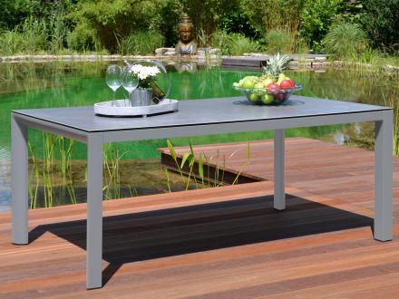 Vorschau: Alu Keramik Tisch Bari Ambientebild