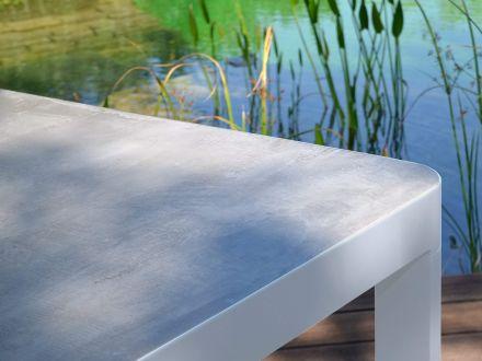Vorschau: Gartentisch Timmendorf Detailbild Keramik-Oberflächendekor Betonoptik