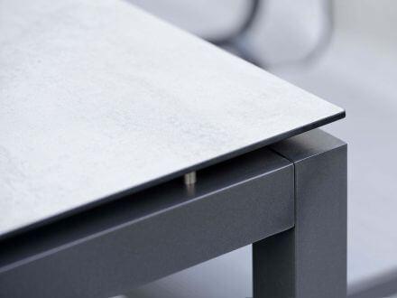 Vorschau: Detailbild Zement hell