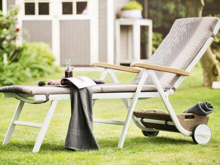 Vorschau: Kettler Memphis Rollliege weiß/beach-grey im Garten