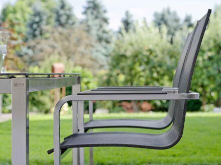 Vorschau: Evoee mit freischwingender, durchgehender Sitzschale