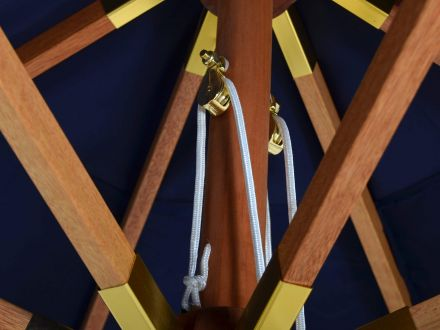 Vorschau: Holz Sonnenschirm Venezia mit rollengeführtem Seilzug