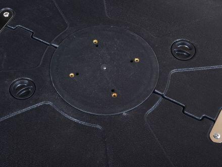 Vorschau: 4-Loch-Aufnahme geeignet für viele Ampelschirme und Standrohre