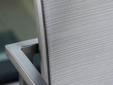 Vorschau: Stern Skelby Lounge-Sessel Aluminium mit Textilenbezug