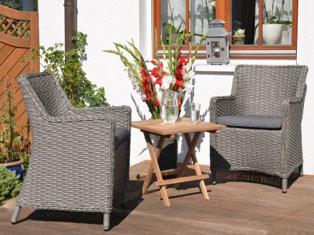 Vorschau: Beistelltisch Picknick - praktisches Zubehör für den Garten