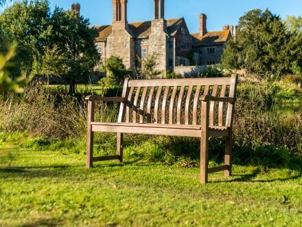 Vorschau: Alexander Rose Sherwood Broadfield Holzgartenbank 122cm 2-Sitzer