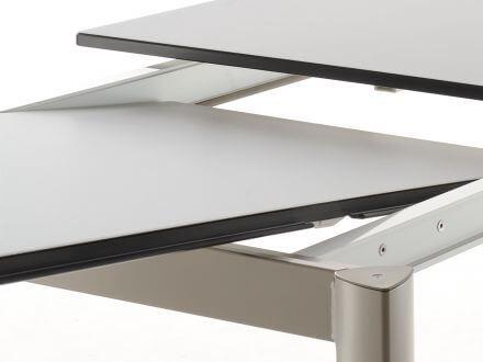Vorschau: Einlegeplatten unter Tischplatte im Gestell aufzubewahren