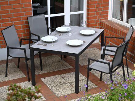 Vorschau: Sitzgruppenbeispiel mit Gartentisch Maine