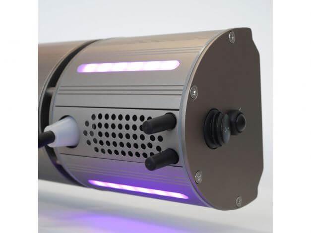 Lautsprecher und LED-Leisten rückseitig