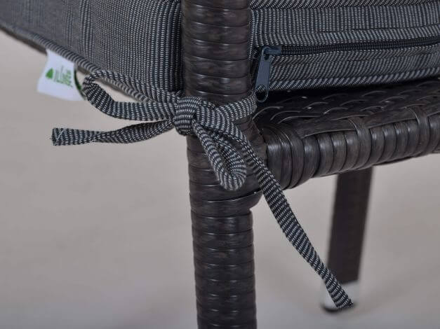 Vorschau: Haltebänder zum Befestigen