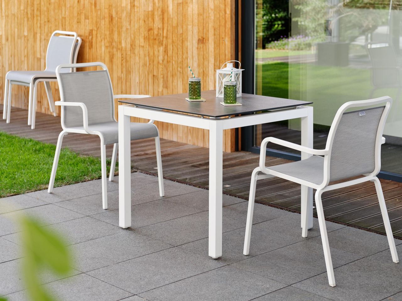 stern gartentisch 80x80cm aluminium wei silverstar 2 0 gartenm bel l nse. Black Bedroom Furniture Sets. Home Design Ideas