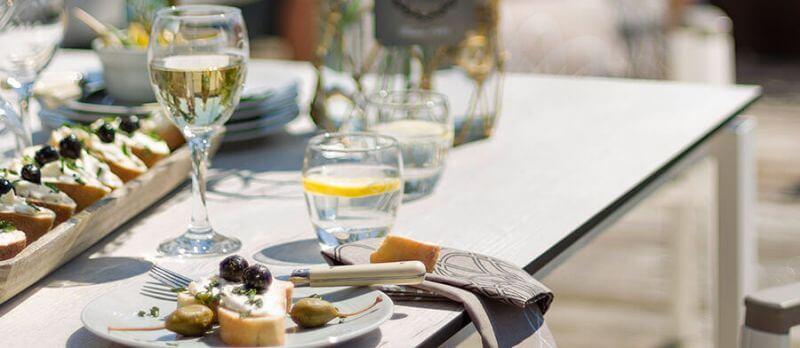 Gartentische mit HPL-Tischplatte