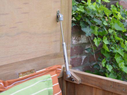 Vorschau: einfache Deckelöffnung mit Gasdruckfedern