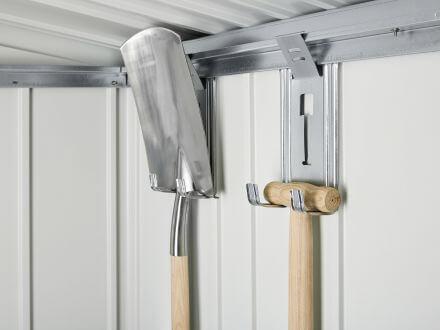Vorschau: inkl. 4 Gerätehaltern zum Aufhängen von Spaten etc.