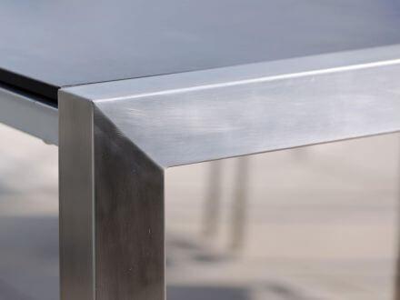Vorschau: an beiden Tischenden elegante, sichtbar Edelstahl U-Profile