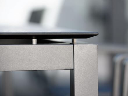 Vorschau: Stern Gartentisch Aluminium anthrazit Seitenansicht
